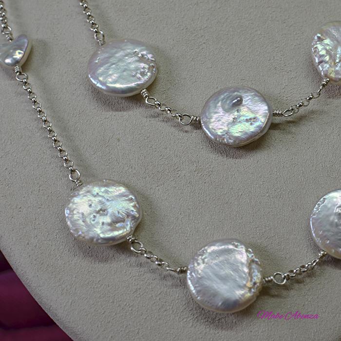 Collar de perlas barrocas planas detalle 2